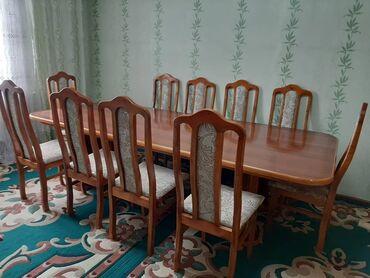 Продаю гостевой стол с10стульями.Длина-2.75м,ширина-1.20м