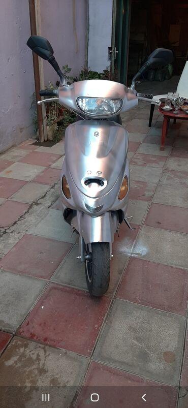 Digər motosiklet və mopedlər - Azərbaycan: Moon mopedi satilir. 800m real alciya cuzi endirim olacaq moped