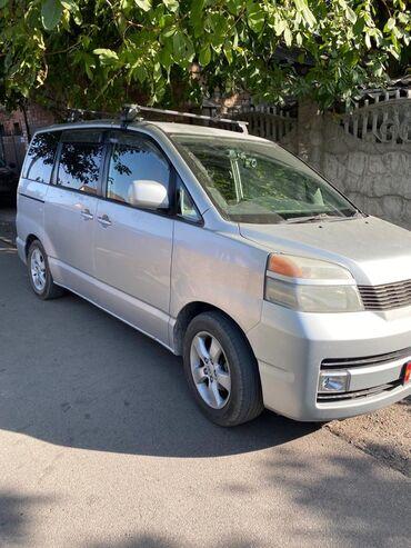Toyota - Кыргызстан: Toyota Voxy 2 л. 2003