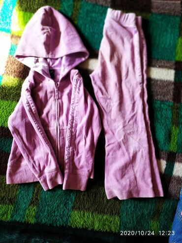 Спортивный костюм для девочки.С 5-6 лет