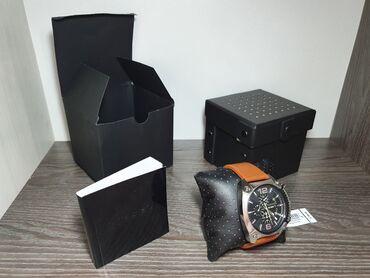бренды классической мужской одежды в Кыргызстан: Продаются абсолютно новые часы diesel dz4296  такого бренда здесь нет