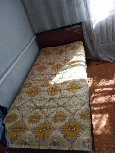 2 кровати с матрацем 3 тыс. за каждую в Бишкек