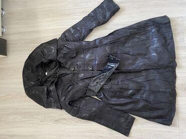 Женское пальто. S размер. 350 сом . Состояние хорошее
