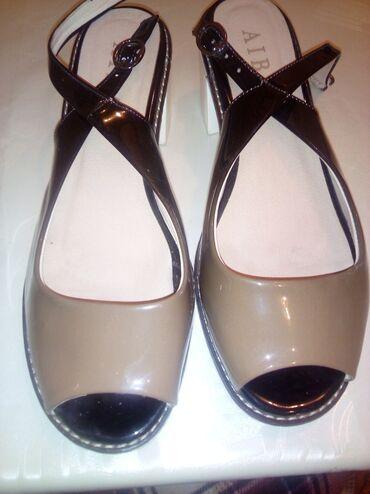 Женская обувь,41 размер,одевали два раза. Вотсап всегда активен