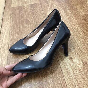500с Черные, лакированные туфли 38 размер