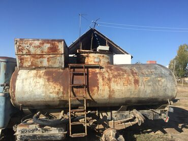 Цистерну 5 куб - Кыргызстан: Продаю цистерну мини торг. адр. Атбашы 6,8 тонн