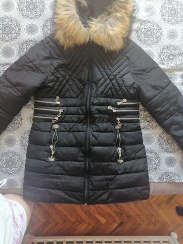 Jakna sa krznom - Srbija: Na prodaju jakna sa prirodnim krznom rakuna na petoj slici se vidi ova