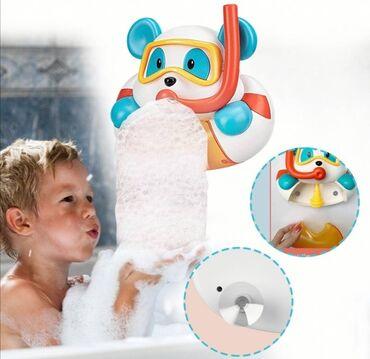 Bubble bear, polarni meda koji izbacuje mehurićemehurićima je toliko