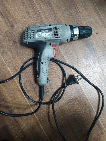 Электрический шуруповерт Дрель в хорошем состоянии