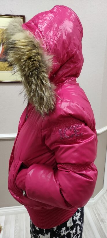 пуховики на зиму в Кыргызстан: Продаётся женская куртка (пуховик) icebergпроизводство италияоригинал