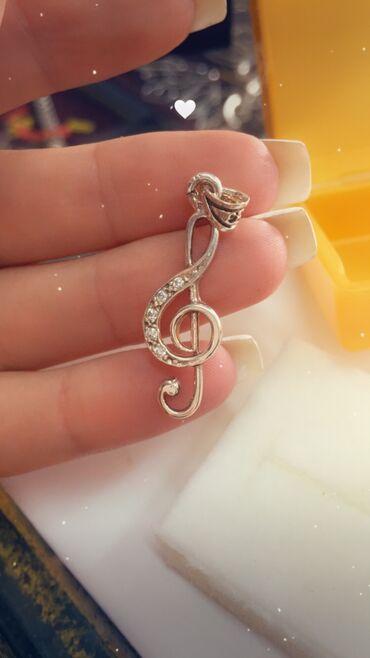Privezak srebro - Srbija: Violinski ključ privezak srebrni  Srebro 925