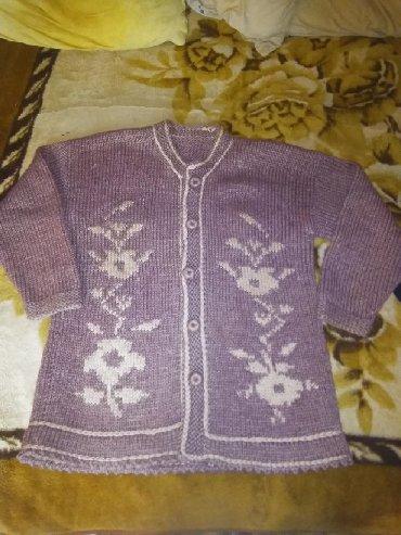 Dzemper vuna - Srbija: Vuneni dzemper za punije dame 100%vuna Duzina 70 cm Sirina 54