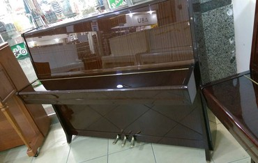 Bakı şəhərində Продается пианино Petrof .  Доставка и настройка входит в сумму.