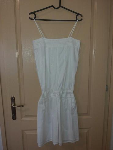 Nova haljinica, nijednom obucena. Velicina S/M. Bela boja sa sivim - Kragujevac