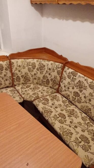 Сдается квартира: 3 комнаты, 50 кв. м, Бишкек