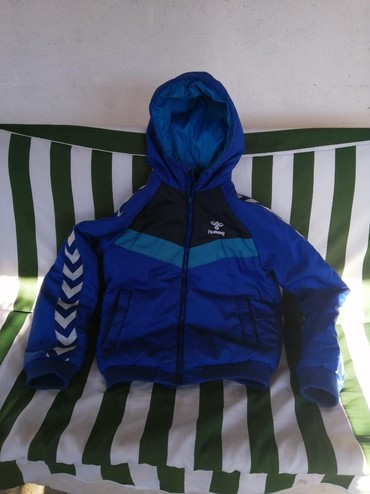 Dečije jakne i kaputi | Krusevac: Muska jakna hummel vel. 152 12 godina