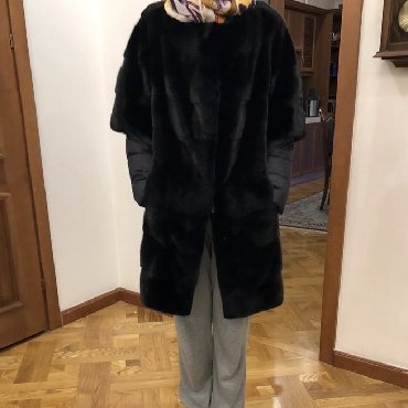 r 44 46 в Кыргызстан: Продаю шубу, состояние идеальное съемный рукав размер 44-46, Пекин фаб