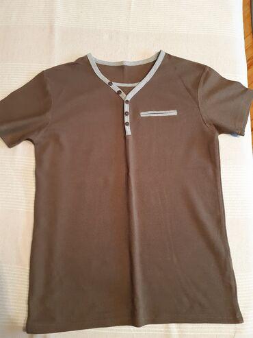 Polo majice - Srbija: Majica, džemper i dve bluzeProdajem sve zajedno, po ovoj simboličnoj