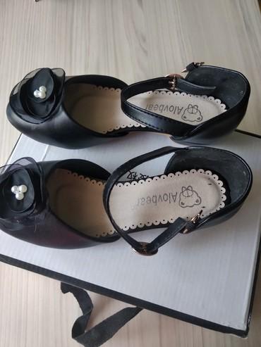 Туфли на каблучке НОВЫЕ. РАЗМЕР на 33-34 . в Бишкек