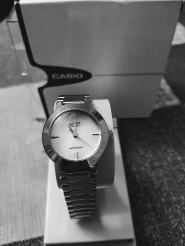 - Azərbaycan: Gümüşü Qadın Qol saatları Casio
