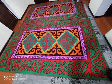 Декор для дома - Бишкек: Шырдак 2шт комплект,размер длина 3м ширина 2м,цена по 20,000сом! Жакшы