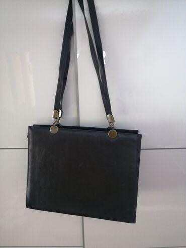 Tasne - Srbija: -Moda elegantan crna tasna -Sa vrlo malim ostecenjima -crna