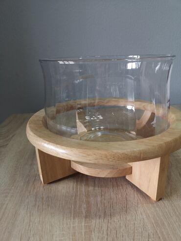 Салатница, стекло с деревянной подножкой, очень эффектная. Ширина