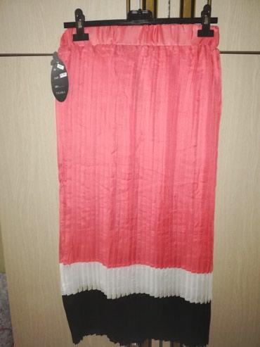 Ciklama nova suknja sa etiketom. Tegljiva ima gumu u struku. - Pancevo