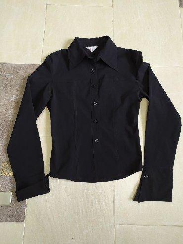 женская рубашка размер м в Кыргызстан: Рубашка женская, в отличном состоянии, размер М, стрейч