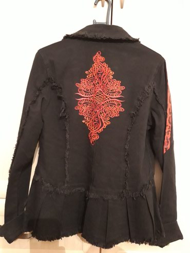 Джинсовая куртка. в Бишкек
