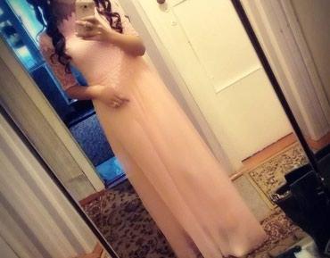 Женская одежда в Каракол: Красивая платья почти новая одевала только 2 раза,800сом. размер