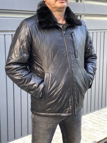 куртка в Кыргызстан: Стильная классическая куртка воротник норка, подклад с верблюжьей