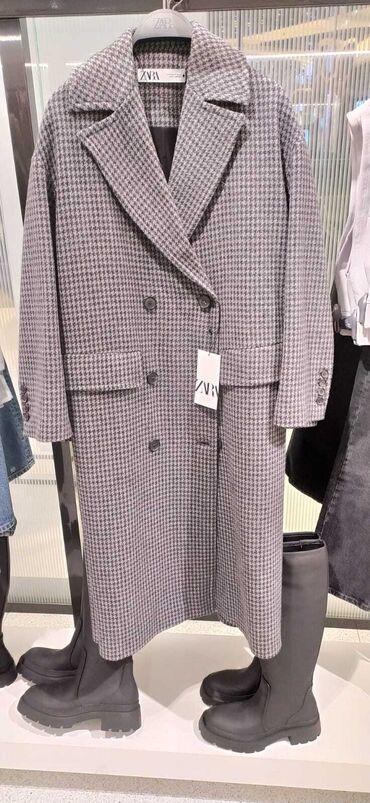 Деми пальто ZARA .   55% шерсть. Размер L