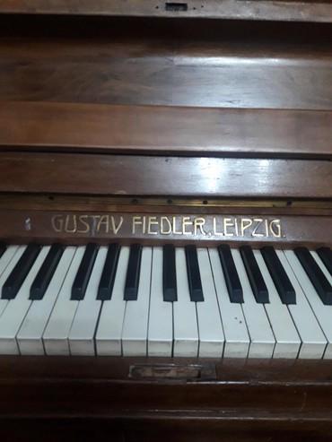 Пианино, фортепиано - Беловодское: Пианино фортепиано раритет антиквариат продаю в хорошем состоянии нада