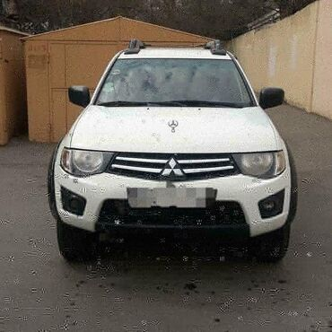 Mitsubishi Bakıda: Mitsubishi L200 2014   278000 km