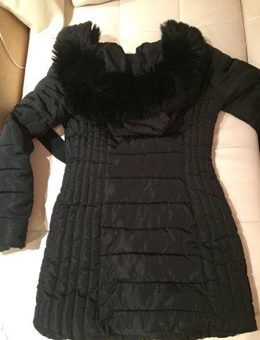 AKCIJA ....Zenska jakna sa prirodnim krznom, strukirana, nova... Crna - Vranje
