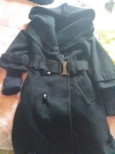Xırdalan şəhərində Palto turkiyenindir bir qisuru yoxdur kapsonkasi acilir elceyi var.