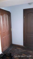 2 комн.кв.,3/7.,кирп.,64м.кв.,2 лодж/расширены. ул.Боконб/Тыныст. в Бишкек