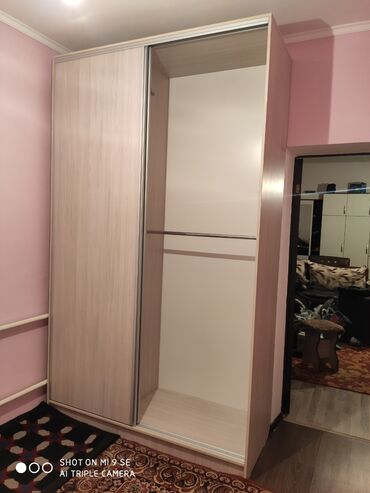 Шкаф-купе высота от 2 до 2.5м, глубина 60-70см, ширина 1.6м, 2 штанги