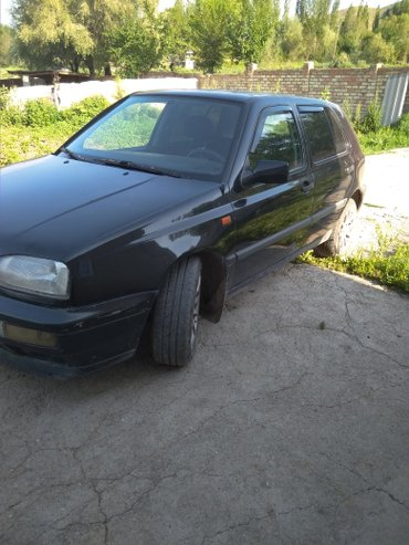 Volkswagen Golf 1993 в Узген