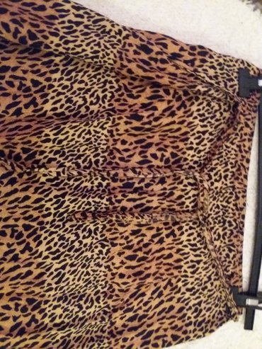Lepa suknja 42-44 pamuk cist neguzva se, vezuje se bas lepa i - Belgrade