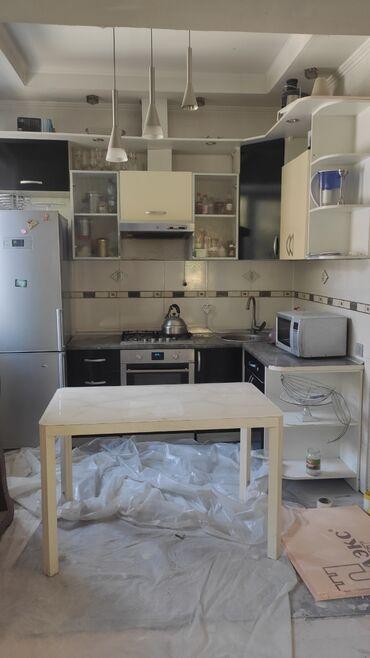 Гарнитуры - Кыргызстан: Продается кухонный гарнитур в отличном состоянии для небольшой кухни