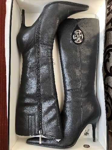 Продаю сапоги Деми, кожаные, размер 38. Сапоги бренда Bonetti. Одевали