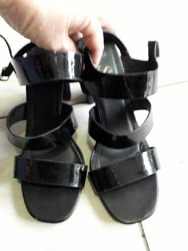 Sandale 39 obuvene samo jednom,uzak kalup,moderna štikla - Obrenovac