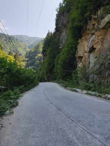 Bakı şəhərində Xizi rayonunda Heyder parki yaxinliginda 30sot torpaq sahesi satilir.