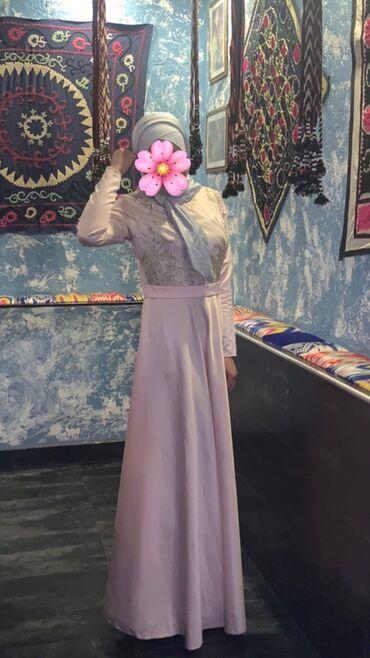 летнее платье 48 размера в Кыргызстан: Продам платье) ткань:атлас,размер:48,  брала за 2500, отдам за 800 це