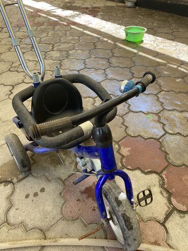 Продаю детский велосипед в комплекте есть козырёк, цена чисто символич