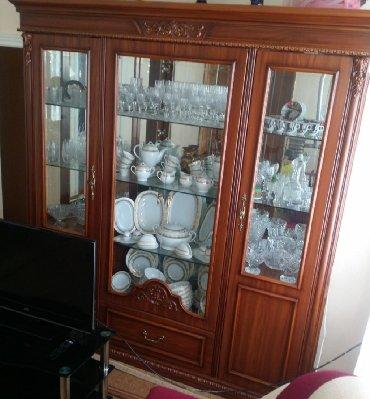 деревянный комод в Азербайджан: Горка и комод. Горка, можно сказать, не использовалась. В данный