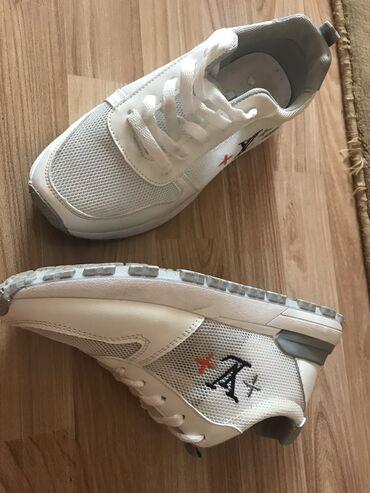 кий продажа в бишкеке в Кыргызстан: Продаю новую сетчатую кроссовку! Оригинал LV
