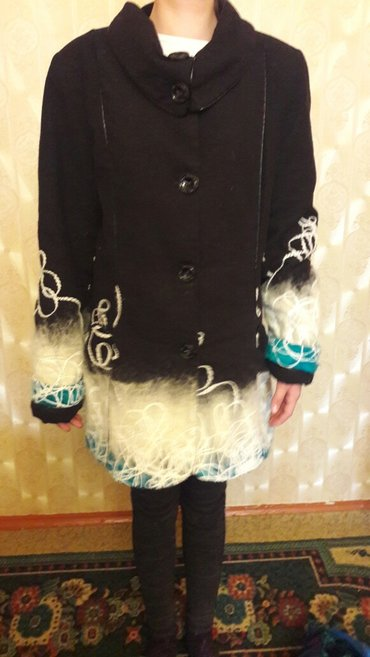 Женское пальто размер 48 в нормальном состояние. в Бишкек